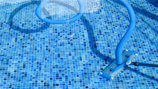 Top 10 Hacks For Swimming Pool Owners To Conserve Pool