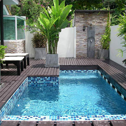 8 small swimming pool designs for you to catch the trend for Garden mini pool